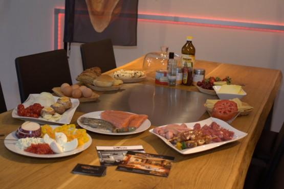 Tisch aus Ulme