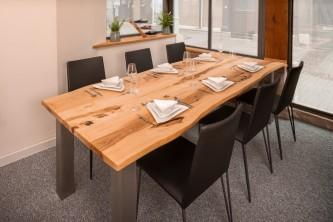 Tisch aus Esche